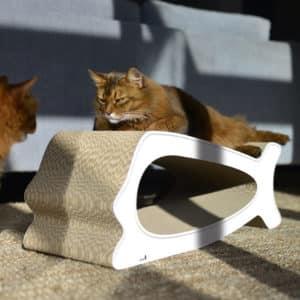 Griffoir en carton design pour chat – LA BALEINE – Blanc